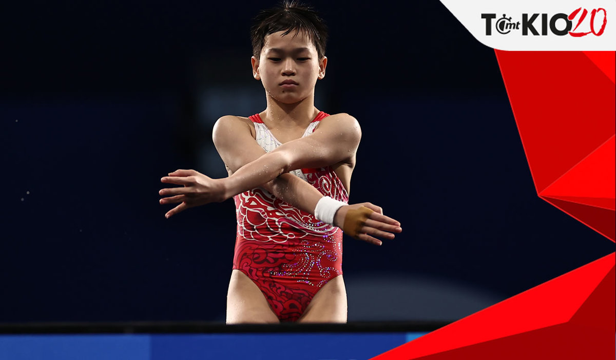 14-year-old Chinese diver who won gold in Tokyo refuses to help