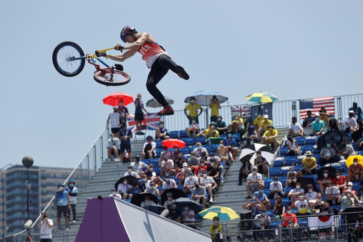 Daniel Dares won a silver medal at the Tokyo Olympics