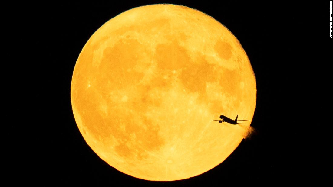 August 21-23 is the best time to watch the rare 'Blue Moon'