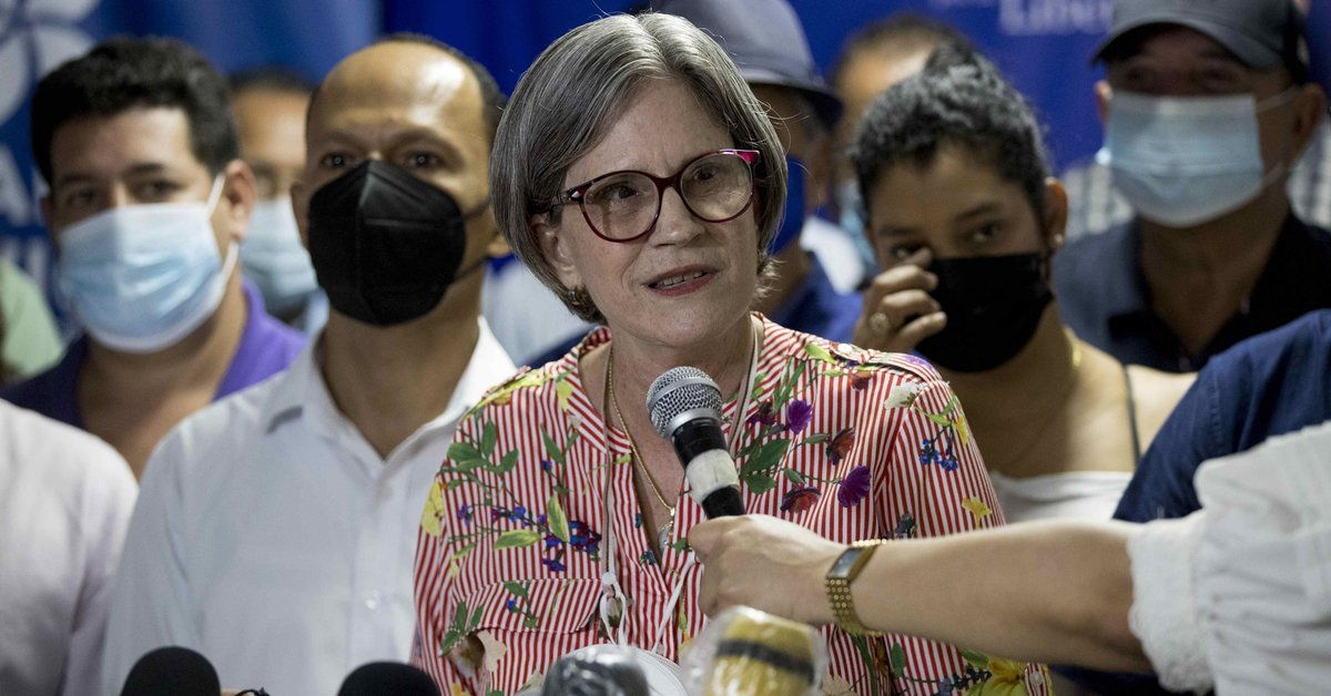 The representative of the main opposition party in Nicaragua left the country and went into exile in Costa Rica