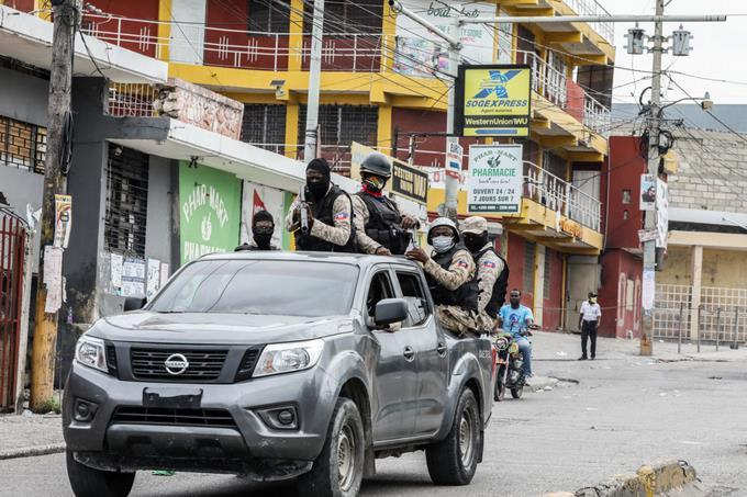 Haitian police released two Dominicans who had been kidnapped hours earlier