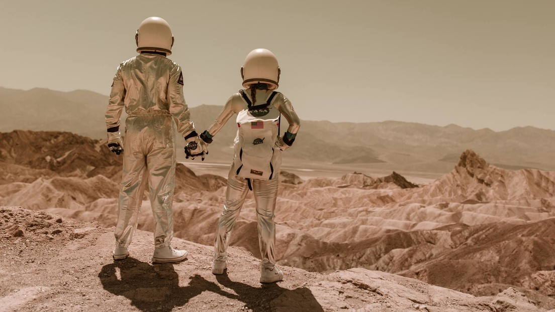 Scientists calculate how much time a person can spend on Mars