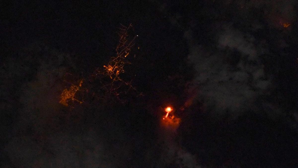 NASA visualizes Cumbre Vega volcano from space