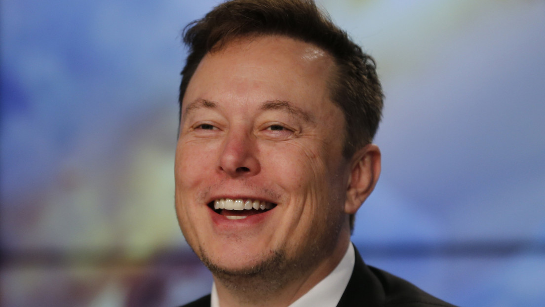 Musk beats Bezos in the list of the rich and promises him a special gift for his second place