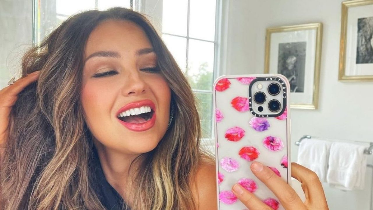 After the flood, Thalia left a motivational message on social networks
