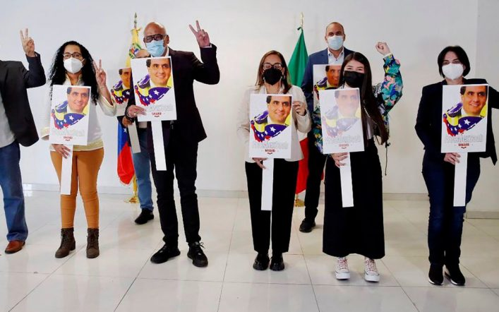 Chavista's delegation arrived at the negotiating table in Mexico carrying posters calling for the release of Alex Saab, Maduro's front man imprisoned for money laundering.