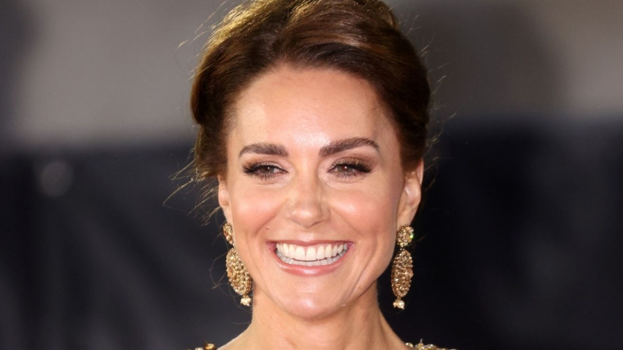 Kate Middleton and the complimented dress by Daniel Craig at the James Bond premiere