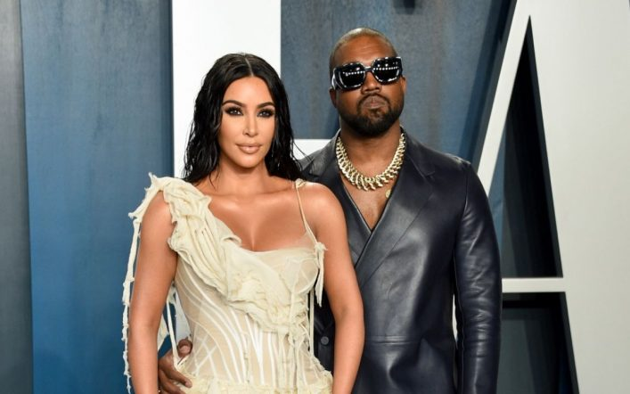 They reveal the identity of the famous singer who cheated on Kim Kardashian by Kanye West