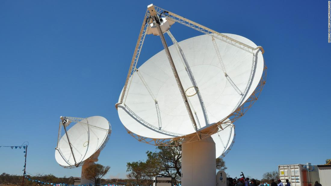 Strange radio waves coming from the heart of the Milky Way confuse scientists