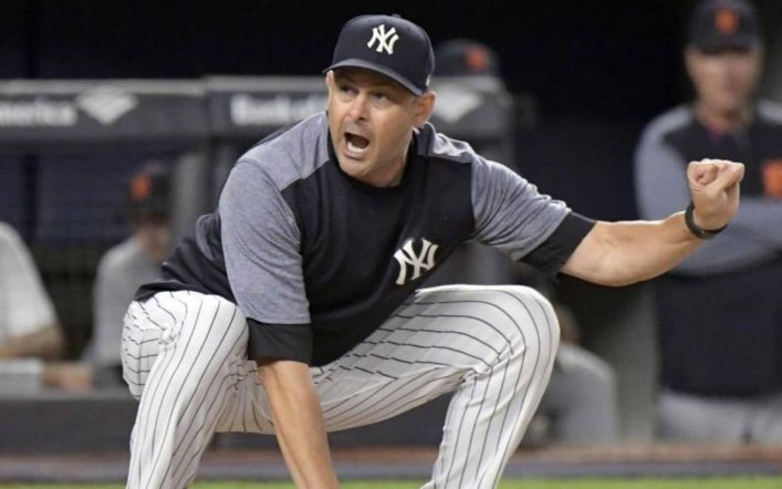 Aaron Boone signs contract extension with Yankees