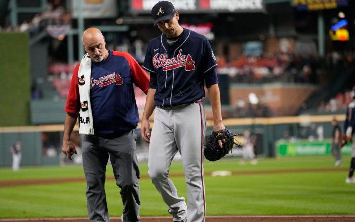 Braves start pitcher Charlie Morton leaves game and world series
