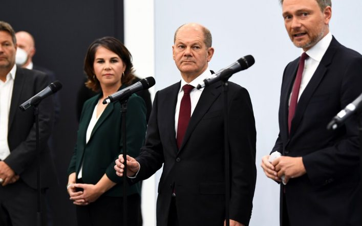 """Germany: The """"traffic lights"""" alliance is progressing to determine the successor of Angela Merkel, with the dilemma of who will take an important ministry"""