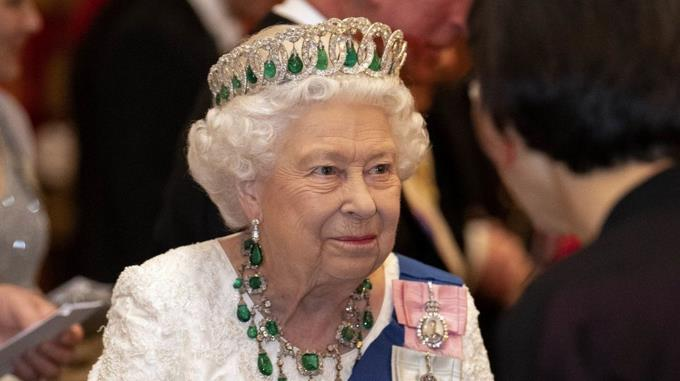 """Isabel II refuses the """"Old Woman of the Year"""" award because she doesn't feel old"""