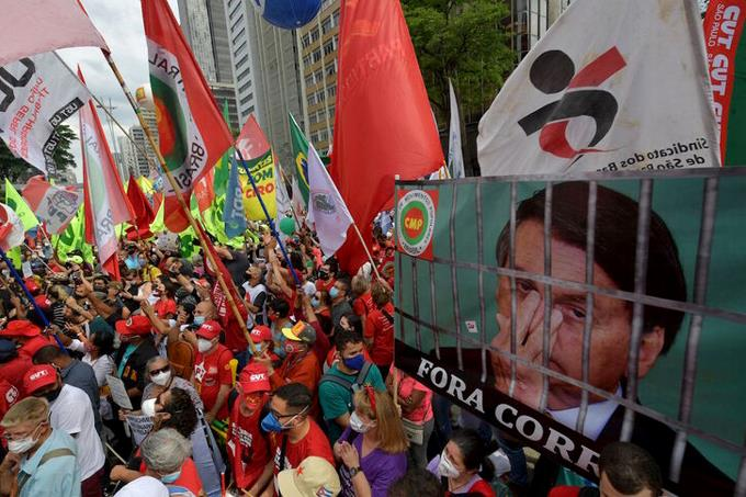 Left and center unite for the first time in rallies against Bolsonaro