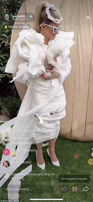 Paris Hilton wears toilet paper wedding dress to bachelorette party |  people |  entertainment