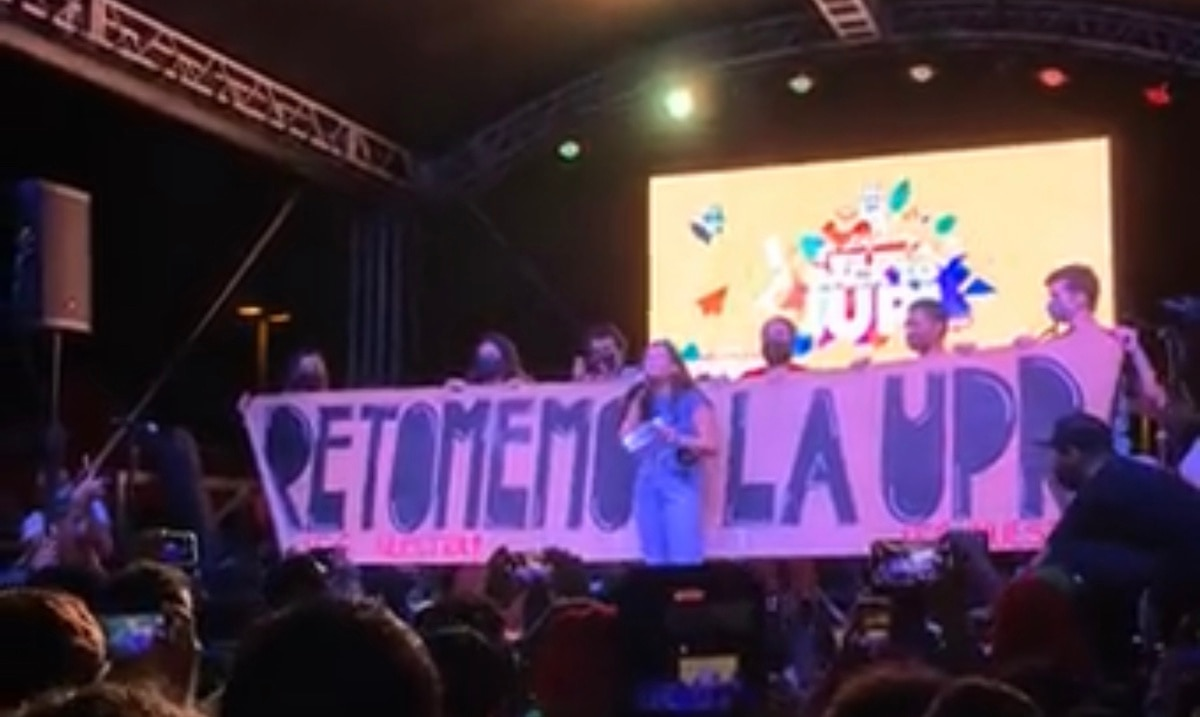 """Students from the UPR in Rio Piedras held a plenary session: """"Enough with virtual classes"""""""