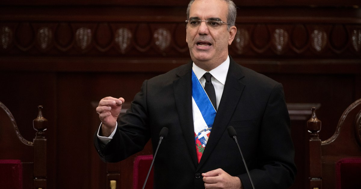 The President of the Dominican Republic explained his financial situation before taking office