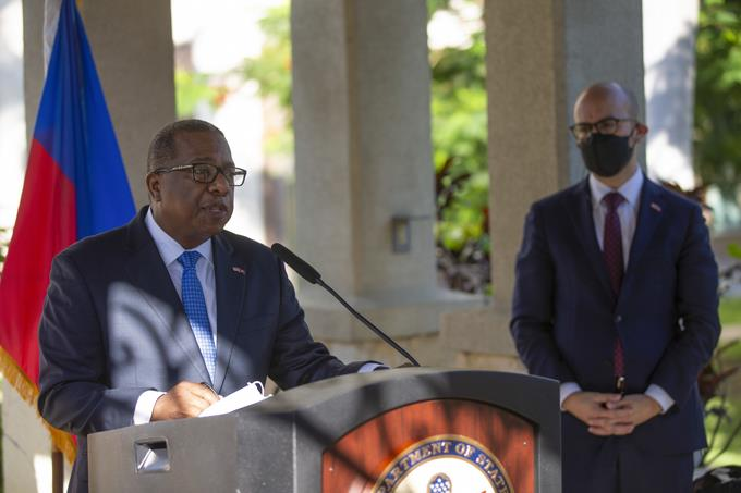The United States apologizes in Haiti for the treatment provided to immigrants