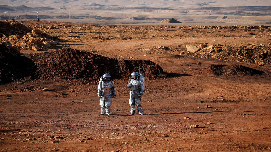 They simulate life on Mars in a ravine in the Israeli Negev Desert (video)