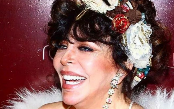 Veronica Castro's special look to celebrate 69 years of her life
