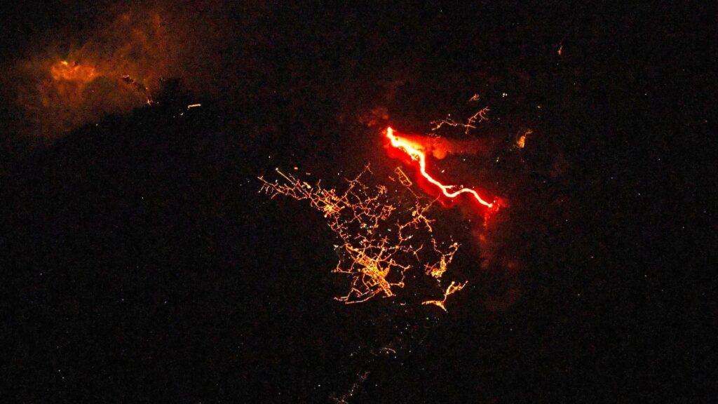 lava river – Connoisseurs.com